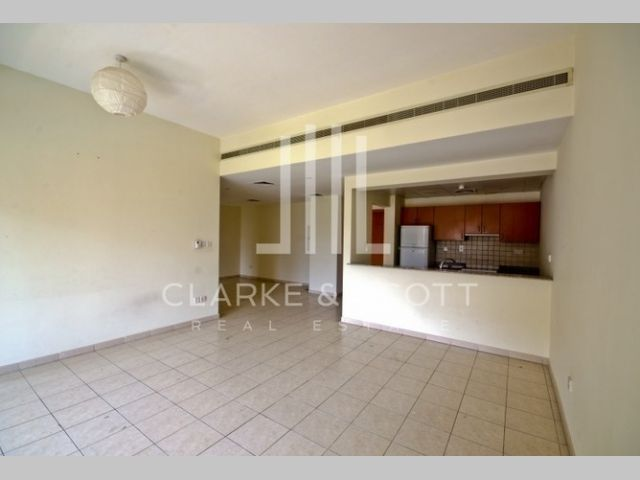Apartment for rent in Al Nakheel Greens