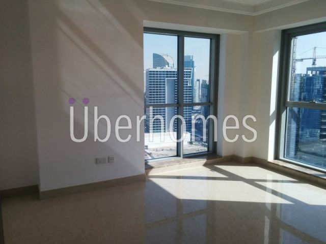 Burj Khalifa and fountain view 3BR for Sale in Executive Towers