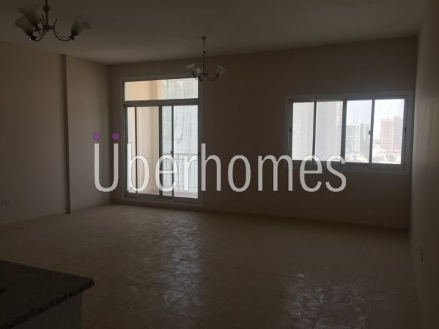2Bedroom with balcony Brand New in Liwan