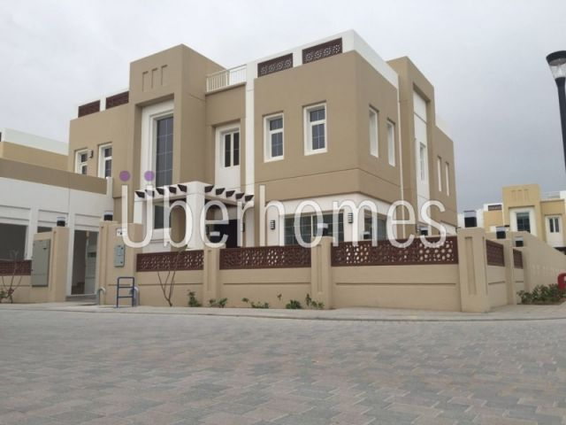Independent 4BR Rahat Villa, Large plot