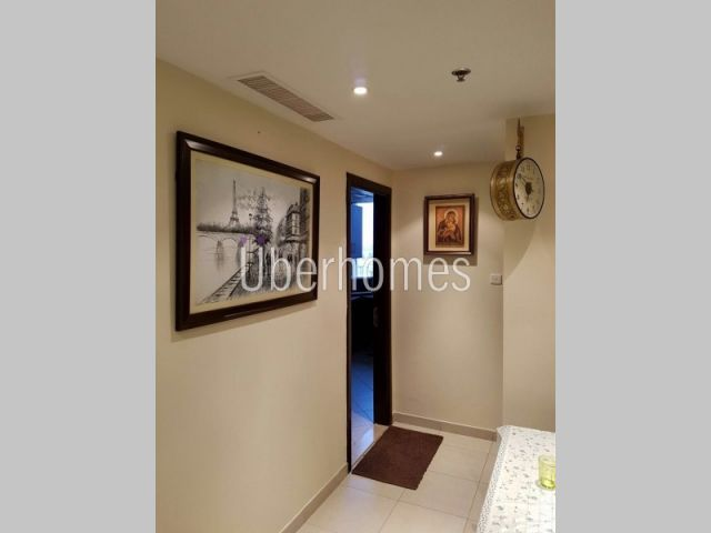 Stunning 2BR With Lake ViewFor Sale in JLT