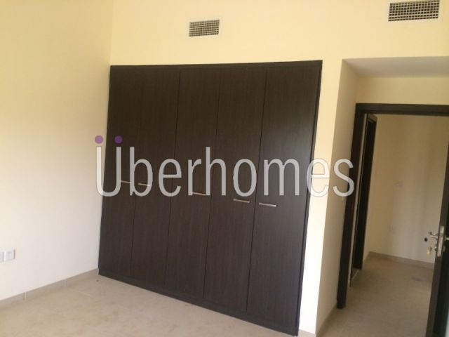 Inner Circle 1BR with Terrace in Thammam
